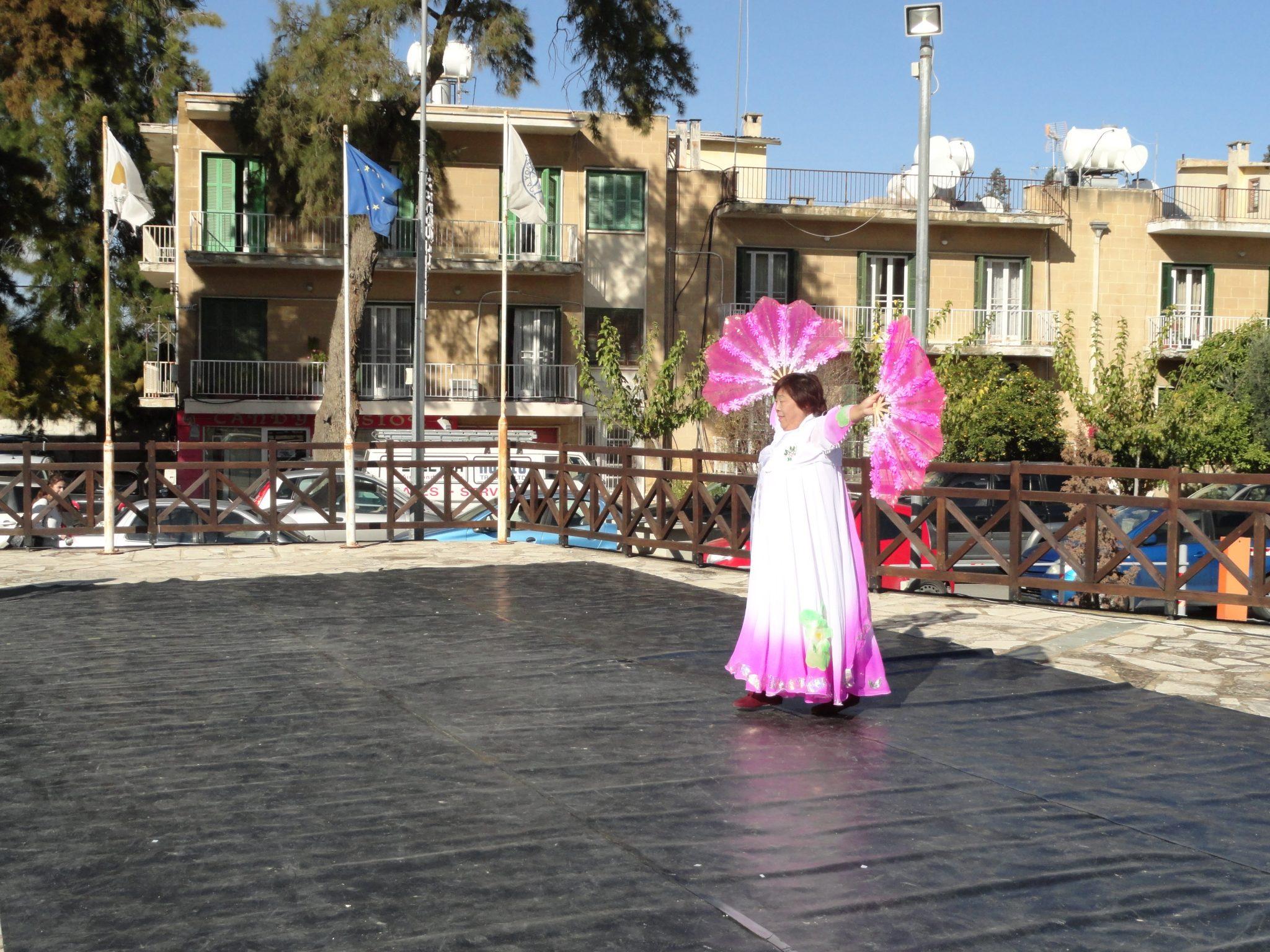 Chinese dance 3 - DSC02630