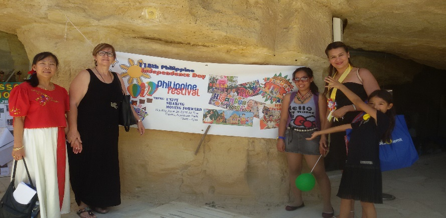 Philippine_independence_day_Acropolis_park_3