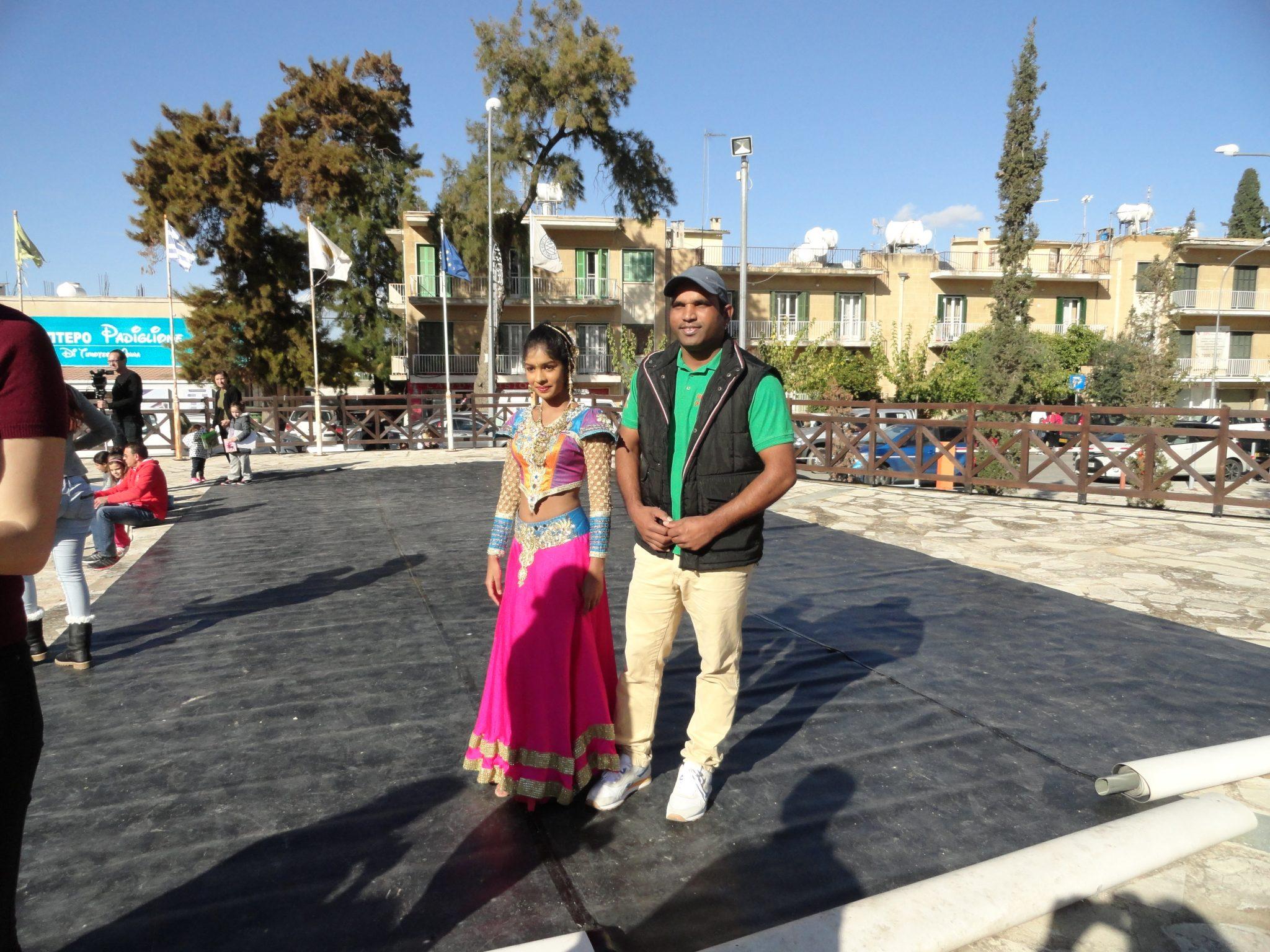 Sri lankan dancer and Indian singer -DSC02647