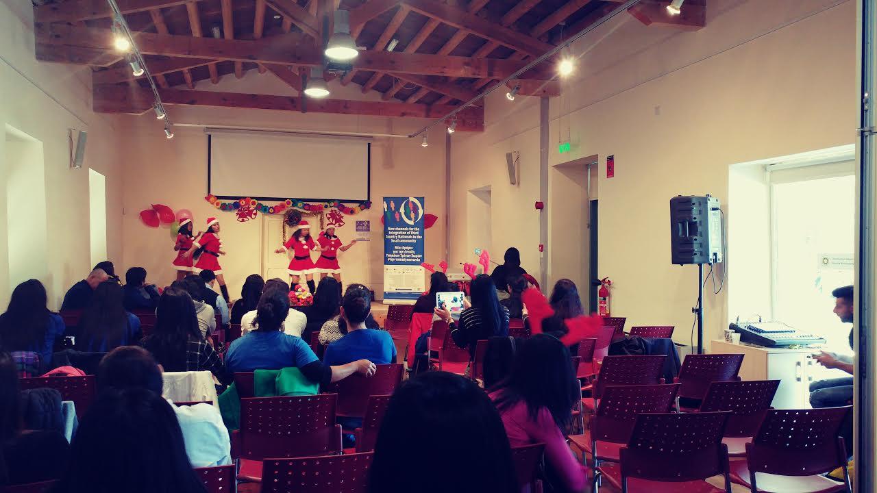 santa dancing 7
